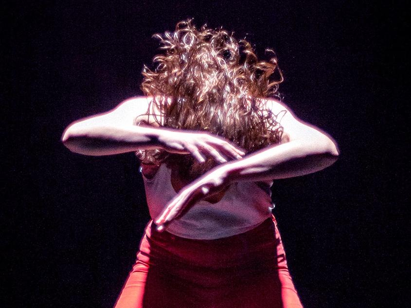 Shudder - Atomic 3001 |  Danse