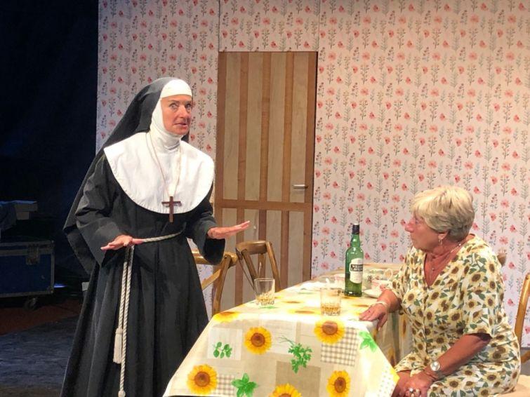 On dîne à Uccle ou on soupe à Saint Marcoult…    Théâtre